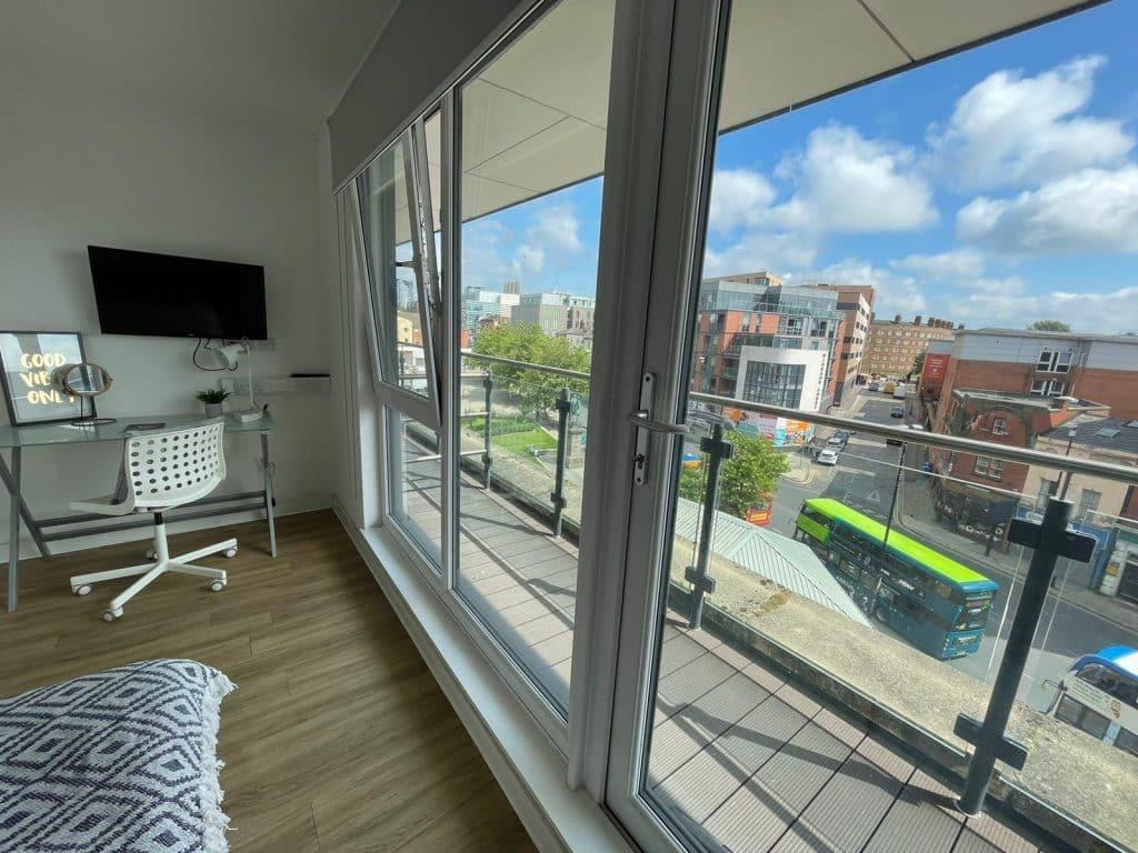 X1 Arndale House   Student Accommodation Liverpool   Balcony Room   bedroom