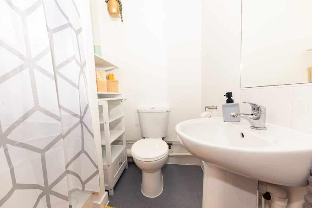 X1 Arndale House | Student Accommodation Liverpool | Apartment | Bathroom