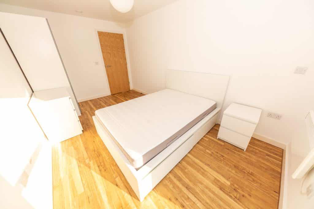 x1 aire 1 bedroom apartment in leeds